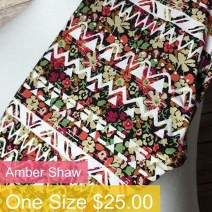 Gorgeous LuLaRoe ONE SIZE Leggings **NEW**